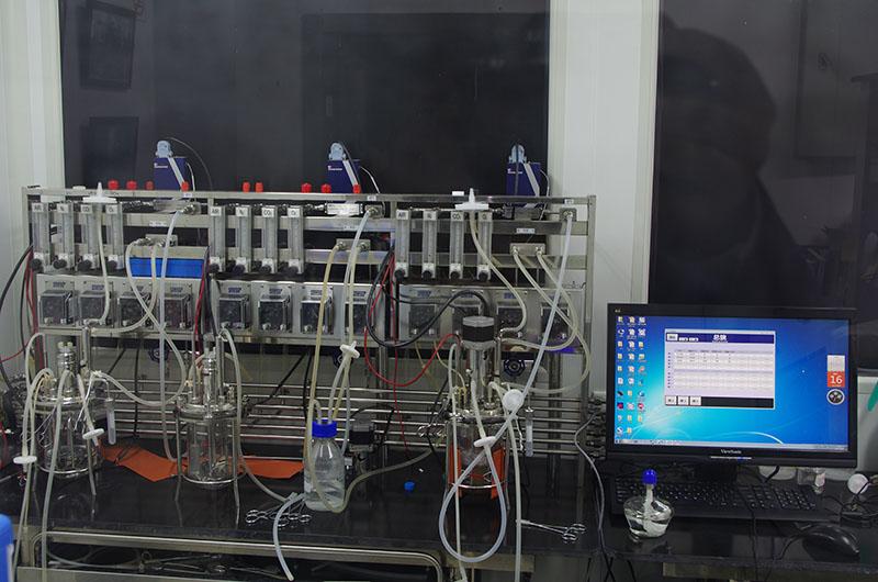 高精度的动物细胞四气控制系统